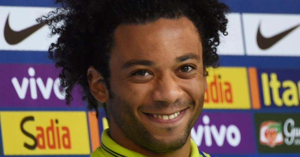 Marcelo sorri em coletiva na Granja Comary, em Teresópolis, a 90 km do Rio de Janeiro