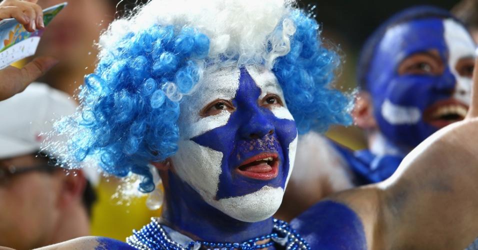 O torcedor de Honduras fez questão de pintar o rosto para ir à Arena da Baixada