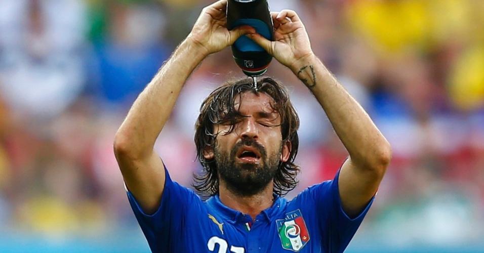 Pirlo se refresca na derrota da Itália para a Costa Rica em Recife
