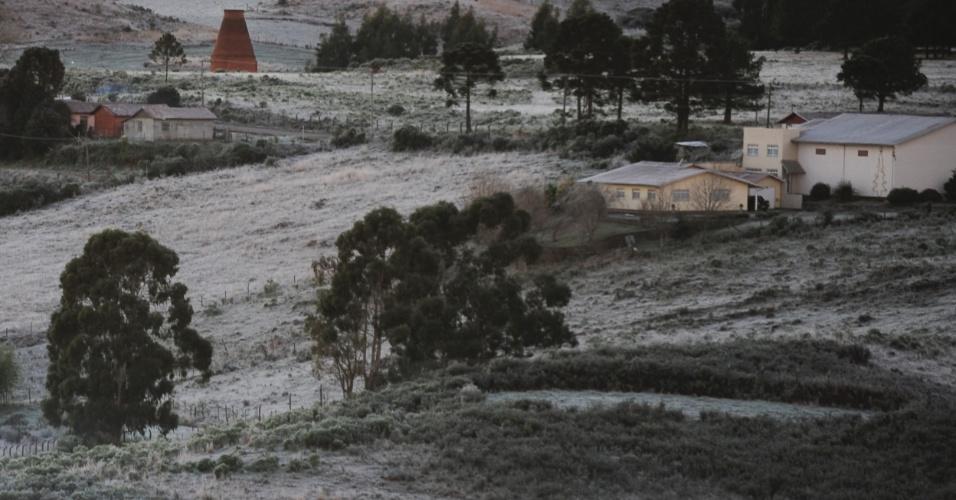 Na última semana, São Joaquim amanheceu coberta de gelo após a madrugada mais fria do ano