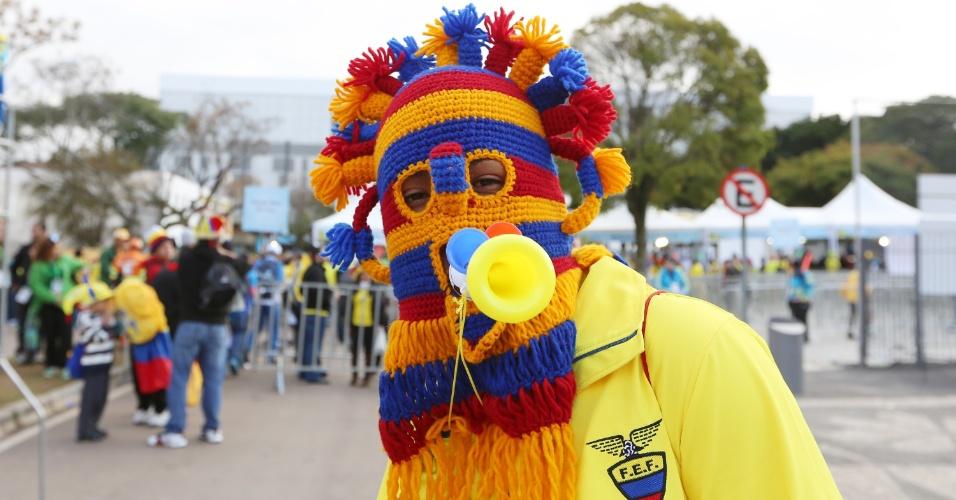 Torcedor do Equador chega à Arena da Baixada para jogo contra Honduras