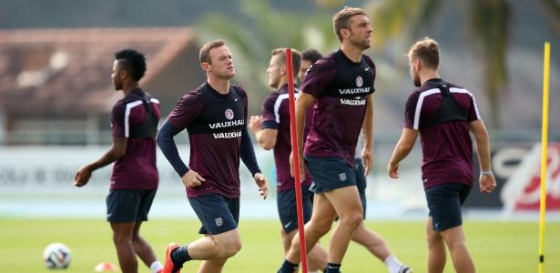 Rooney treinou com a já eliminada seleção da Inglaterra neste sábado