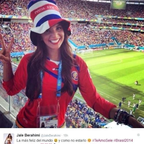 As selfies nos estádios em que vai cobrir jogos são tradicionais no Twitter da repórter