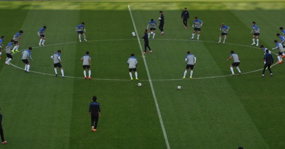 Corei da Sul faz treino de reconhecimento do gramado do estádio do Beira Rio um dia antes de enfrentar a Argélia, pelo grupo H
