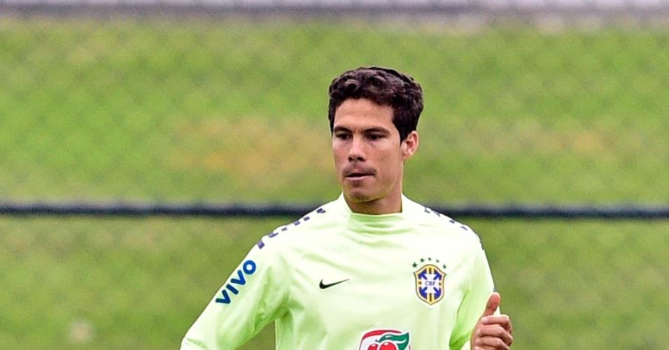 Hernanes treina com a seleção neste sábado (21.06)