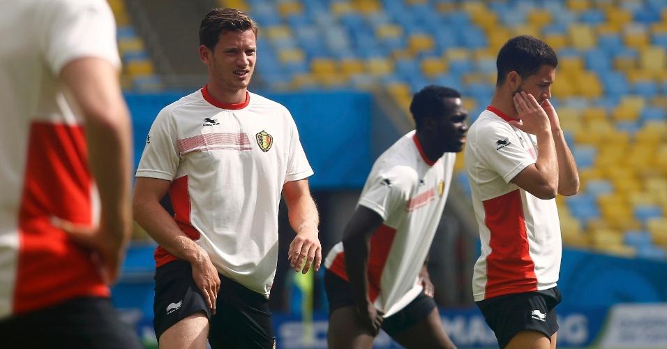 Jogadores da Bélgica fazem o reconhecimento do gramado no Maracanã; time enfrenta a Rússia no domingo
