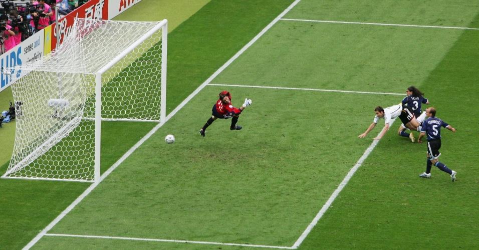 O décimo gol de Klose em Copas do Mundo ajudou a eliminar a Argentina da Copa de 2006