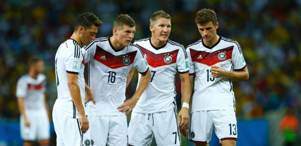 Özil, Kroos, Schweinsteiger e Muller jogaram o Mundial de 2010 e estão na Copa de 2014