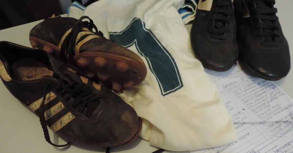 Relíquias de Garrincha guardadas de maneira improvisada na sede do Sindicato de Atletas do Distrito Federal