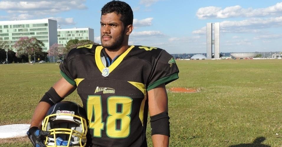 Sósia de Hulk, Fellipe Florêncio joga futebol americano em Brasília. Ele confunde torcedores e até gringos na cidade