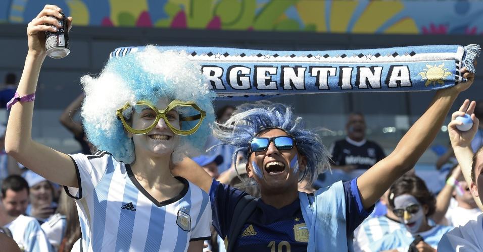 Torcedores argentinos fazem festa nas arquibancadas do Mineirão