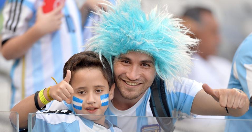 Torcedores argentinos fazem festa no Mineirão antes de jogo contra o Irã