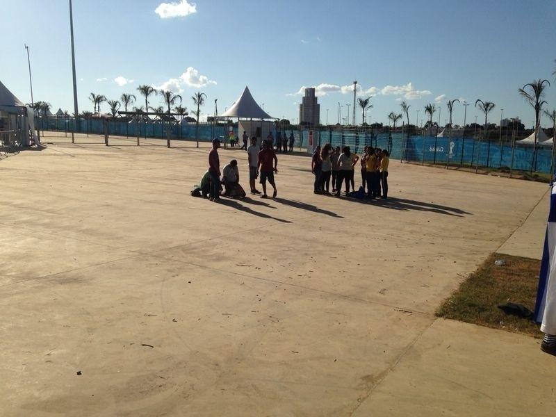 Entrada da Arena Pantanal ainda vazia para o jogo entre Nigéria e Bósnia