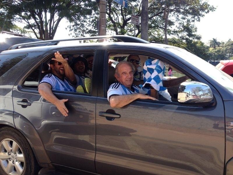 Torcedores da Argentina se encaminham para o Mineirão para o jogo contra o Irã