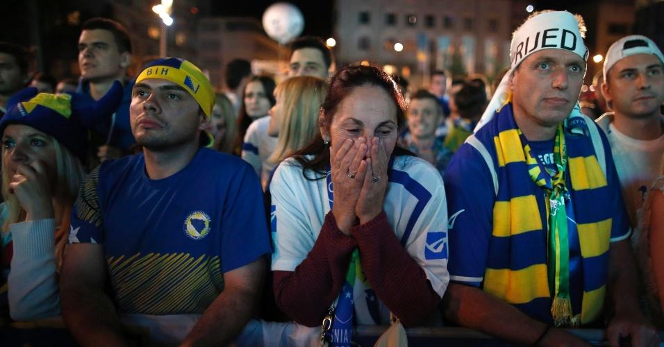 Torcedores que assistiram ao jogo contra a Nigéria em telão de Sarajevo lamentam a eliminação da Bósnia na Copa do Mundo