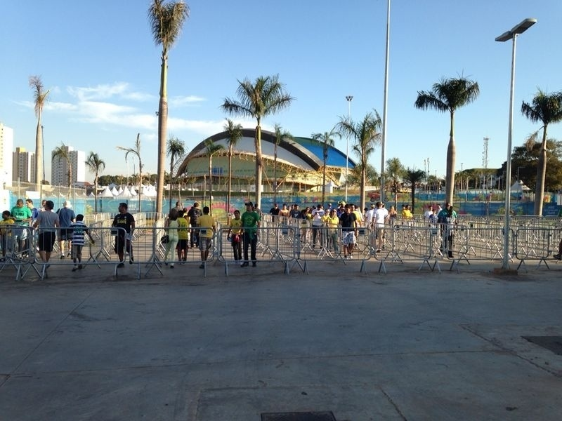 Torcedores tem entrada tranquila na Arena Pantanal para o jogo entre Bósnia e Nigéria