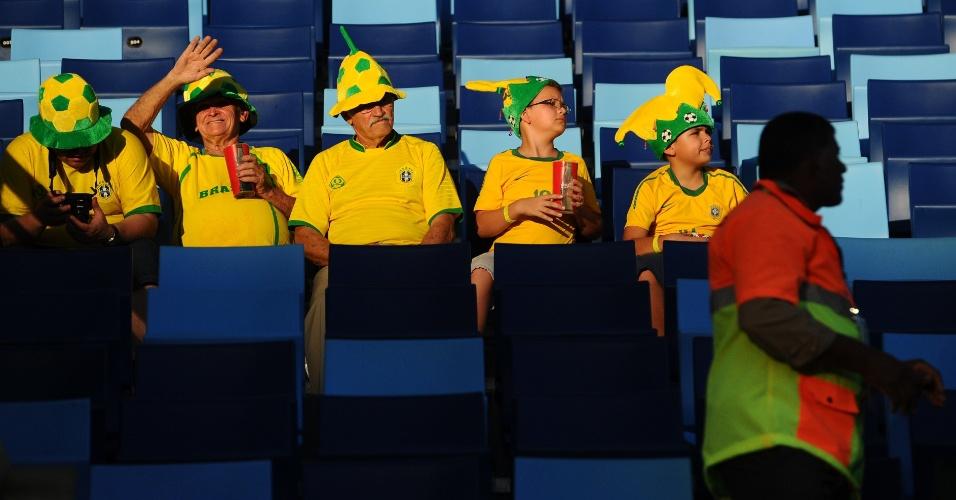 Torcida brasileira comparece em grande número à Arena Pantanal para acompanhar Nigéria x Bósnia