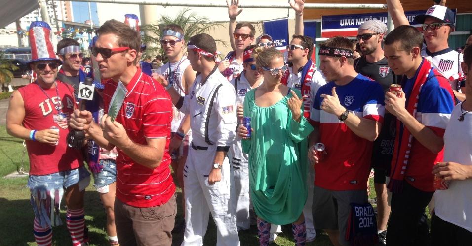 22.06.14 - Americanos fecham casa de espetáculos em Manaus antes de duelo com Portugal