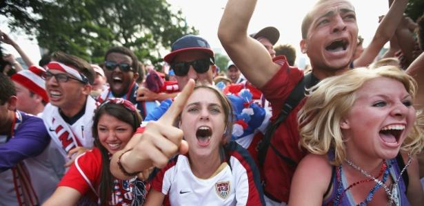 """O """"soccer"""" já caiu nas graças dos norte-americanos, que fazem grandes festas nos jogos da seleção"""