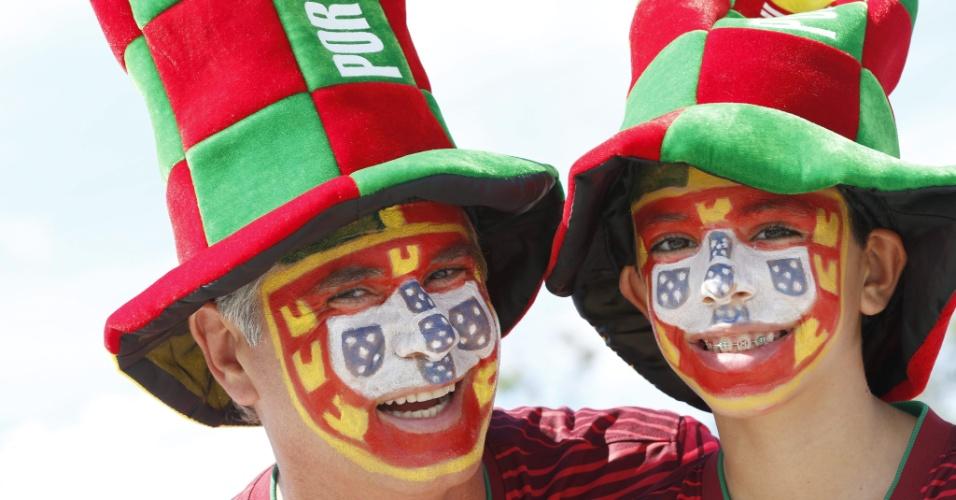 A bandeira de Portugal ficou estampada no rosto destes dois torcedores em Manaus