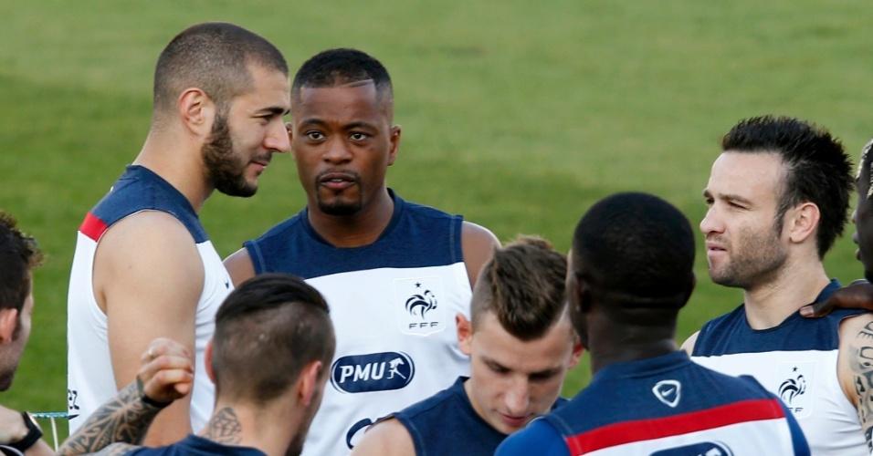 Benzema e companheiros de França treinam em Ribeirão Preto, interior de São Paulo. Os franceses, que venceram as duas primeiras partidas do grupo E, joga contra o Equador na quarta