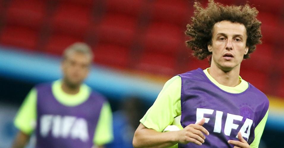 David Luiz corre no Mané Garrincha, onde seleção brasileira realiza último trabalho antes da partida contra Camarões, nesta segunda