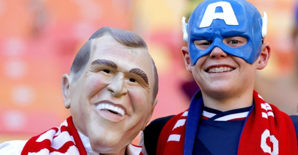 Em que outro lugar o ex-presidente George W. Bush e o Capitão América saem juntos na foto? Só na Copa do Mundo!