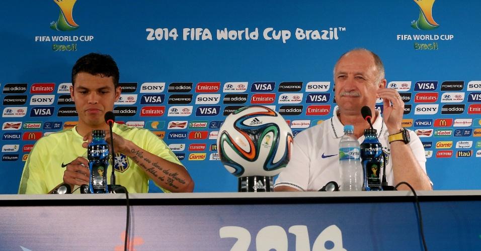 Felipão e Thiago Silva falam com a imprensa após o último treino do Brasil antes de enfrentar Camarões, em Brasília