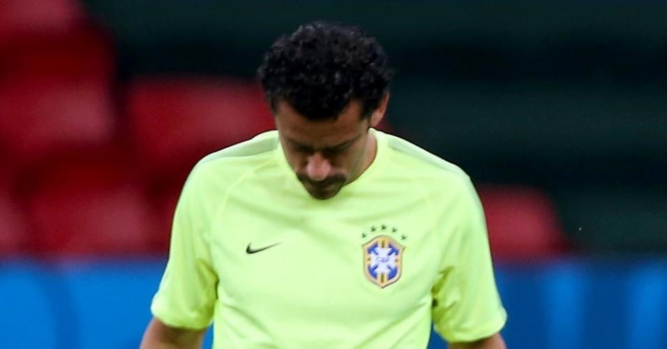 Fred aparece de bigode para o treino antes de Brasil x Camarões, no Mané Garrincha, em Brasília