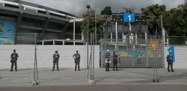 PMs voltaram a proteger entradas do Maracanã depois de invasões do estádio