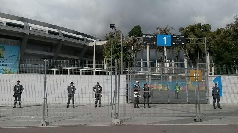 Maracanã tem policiamento reforçado contra invasões para partida deste domingo
