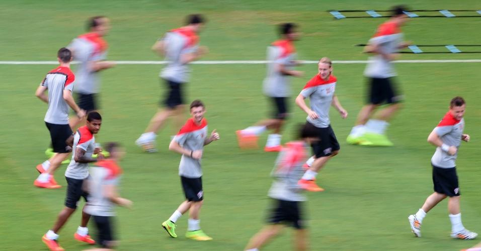 Seleção da Croácia treina na Arena Pernambuco, palco do jogo desta segunda-feira contra o México