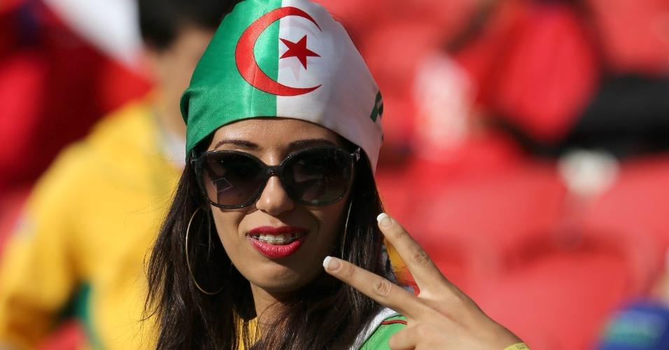 Torcedora da Argélia comemora goleada em cima da Coreia do Sul no Beira-Rio
