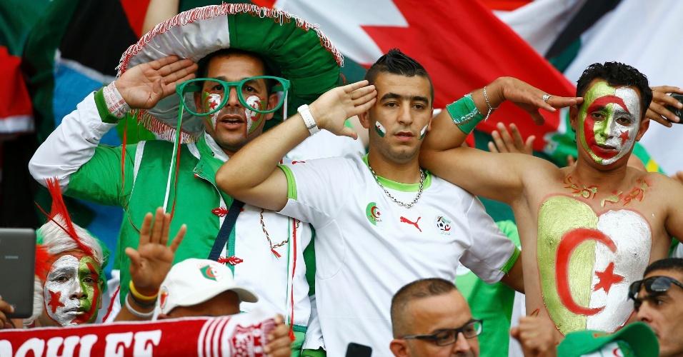 22.jun.2014 - Torcedores da Argélia comparecem ao Beira-Rio para a partida contra a Coreia do Sul