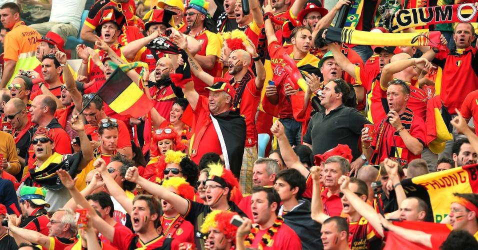 Torcedores da Bélgica fazem a festa no estádio do Maracanã