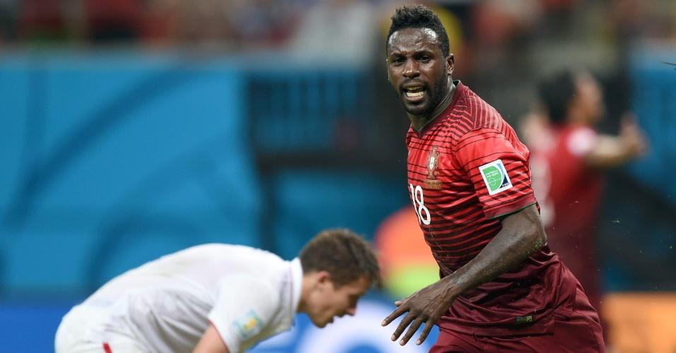 Varela marcou nos acréscimos e evitou a eliminação de Portugal da Copa do Mundo