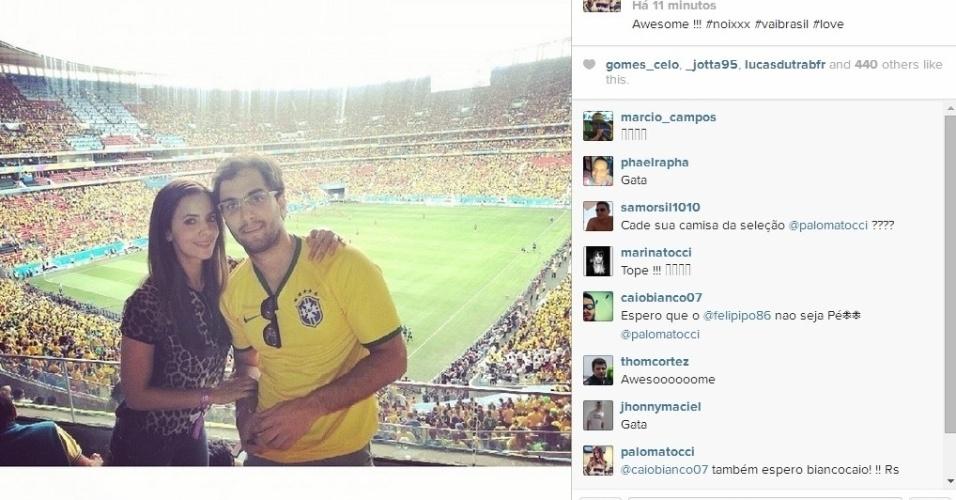 23.06.2014 - Jornalista Paloma Tocci curte dia de folga para ver o jogo do Brasil no Mané Garrincha
