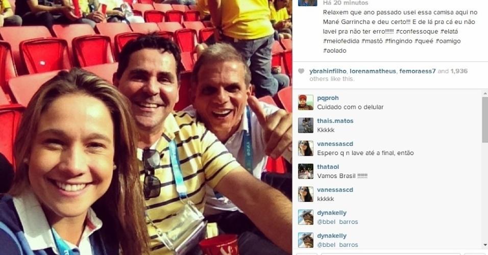 23.06.2014 - Repórter Fernanda Gentil nas arquibancadas do Mané Garrincha pouco antes do jogo do Brasil