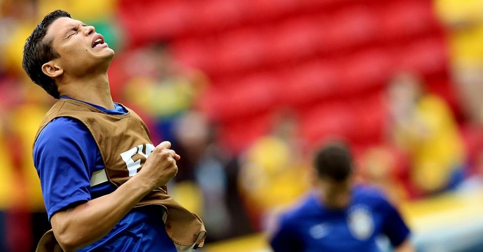 23.jun.2014 - Capitão Thiago Silva mostra concentração antes da partida do Brasil contra Camarões, no Mané Garrincha