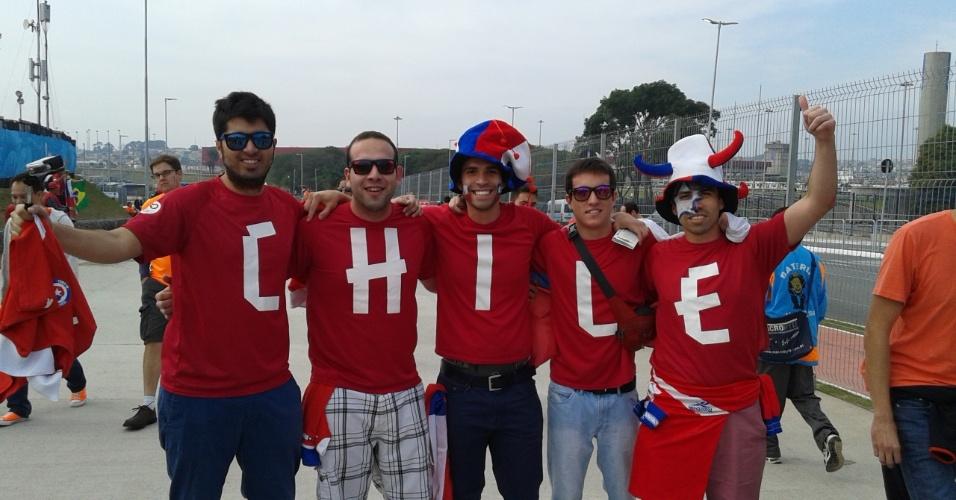 Chilenos chegam animados ao Itaquerão para a partida contra a Holanda
