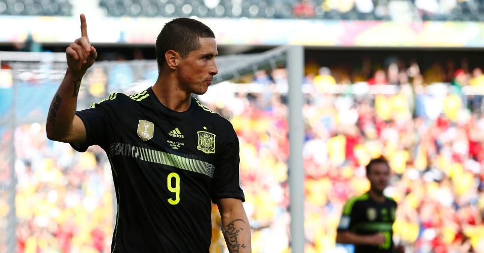Fernando Torres comemora segundo gol da Espanha contra a Austrália, na Arena da Baixada