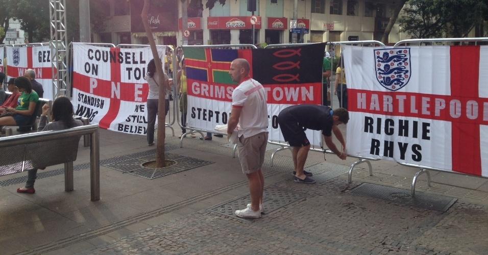 Ingleses demarcam território com suas bandeiras na Savassi, no centro de Belo Horizonte