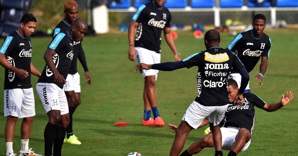 Jogadores de Hondura realizam treino em Porto Feliz