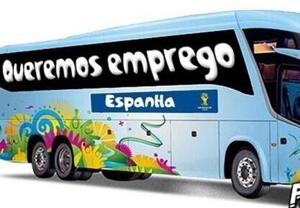 """Nova frase do ônibus da Espanha: """"Queremos emprego"""""""