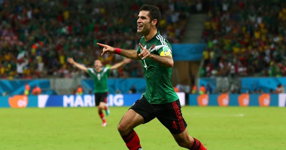Rafa Marquez comemora o primeiro gol do México sobre a Croácia