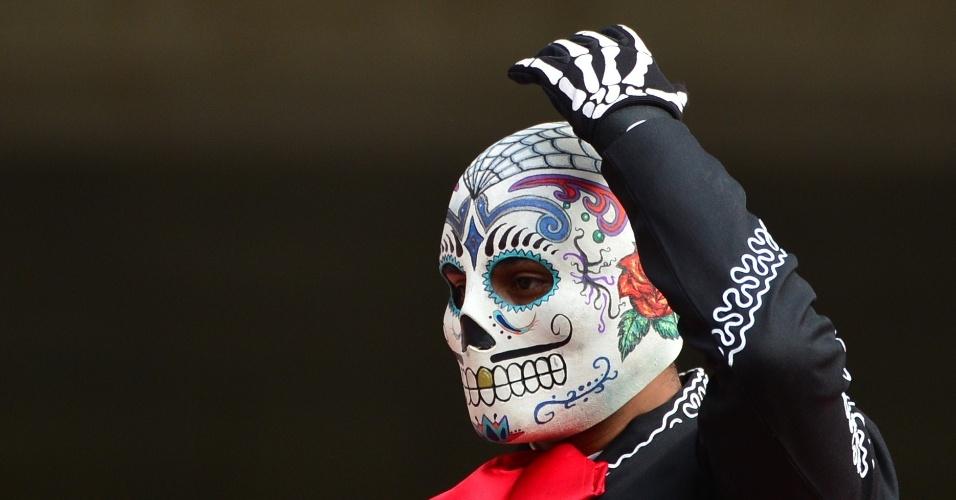 Torcedor assustador é visto na Arena Pernambuco, palco de Croácia x México