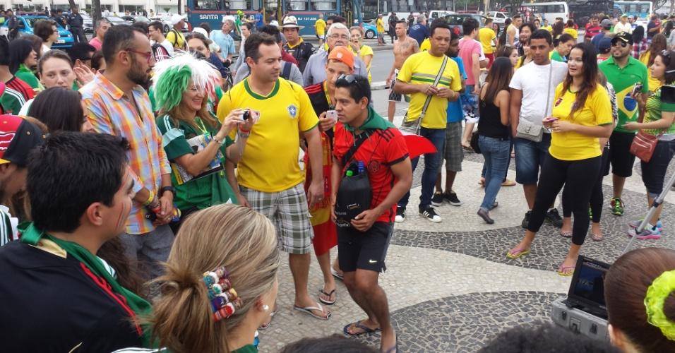 Torcedores de Brasil e Mexicano foram à Fan Fest em Copacabana, no Rio de Janeiro