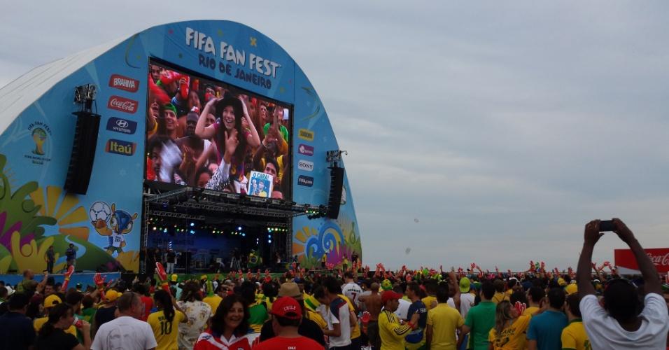 Torcedores do Brasil foram em peso à Fan Fest em Copacabana para acompanhar o jogo da seleção brasileira no telão