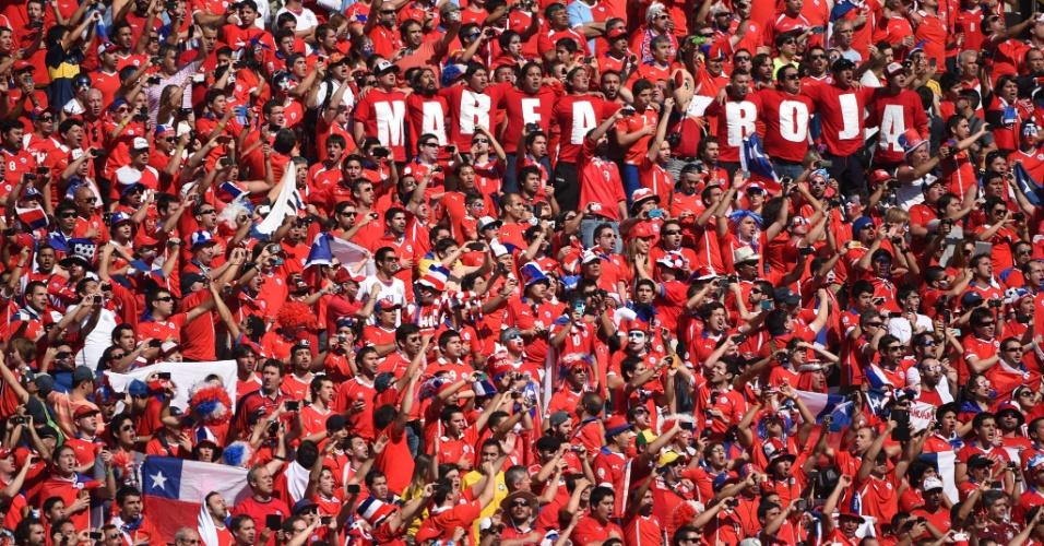 Torcedores do Chile fazem festa no Itaquerão antes do jogo contra a Holanda
