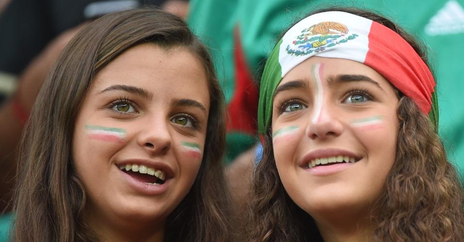 Torcida feminina marca presença no jogo entre Croácia e México